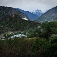 Snow on top of the mountains, Shangri-la