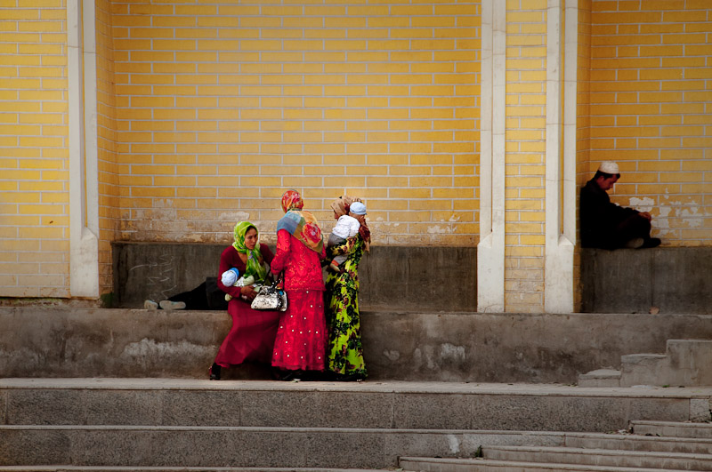 Mothers in front of the mosque